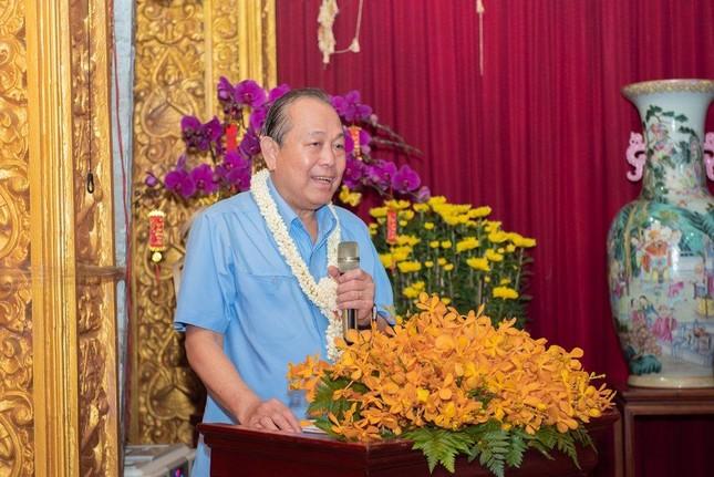 Phó Thủ tướng Thường trực Trương Hòa Bình thăm và tặng quà tại chùa Chantarangsay ảnh 2