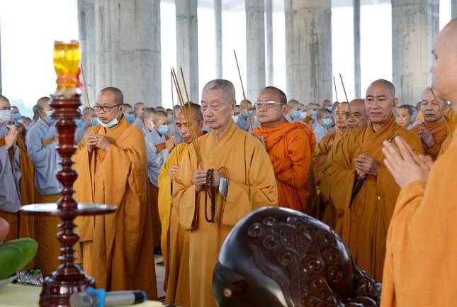 Học viện Phật giáo Việt Nam tại TP.HCM cất nóc chánh điện ảnh 3
