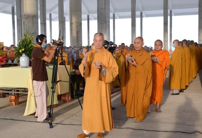 Học viện Phật giáo Việt Nam tại TP.HCM cất nóc chánh điện ảnh 7