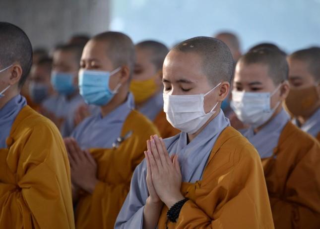 Học viện Phật giáo Việt Nam tại TP.HCM cất nóc chánh điện ảnh 11