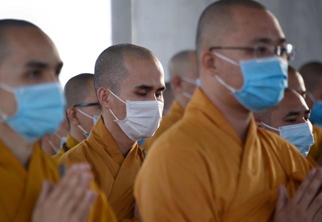 Học viện Phật giáo Việt Nam tại TP.HCM cất nóc chánh điện ảnh 10