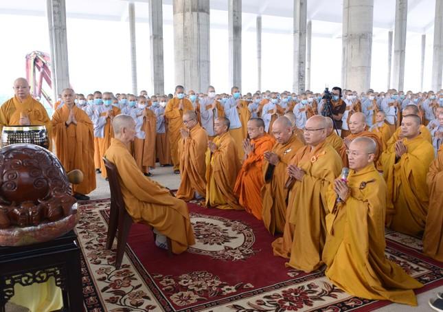 Học viện Phật giáo Việt Nam tại TP.HCM cất nóc chánh điện ảnh 12