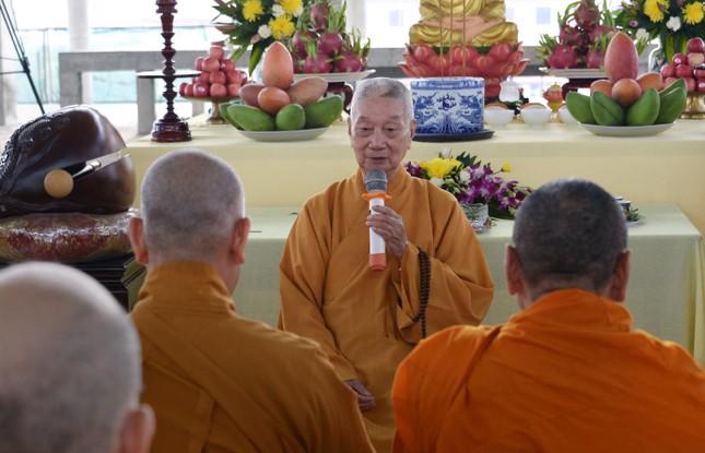 Học viện Phật giáo Việt Nam tại TP.HCM cất nóc chánh điện ảnh 2