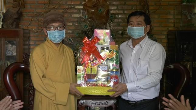 Đồng Tháp: Lãnh đạo huyện Tam Nông chúc tết chùa Quê Hương ảnh 1