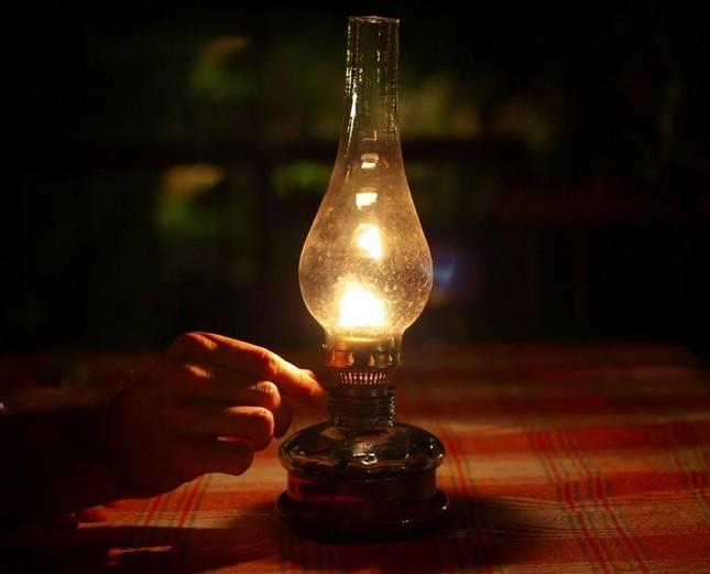 Ánh đèn dầu đêm đông… ảnh 1