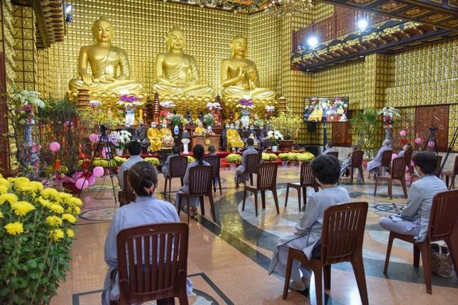 TP.HCM: Khóa tu trực tuyến tại chùa Giác Ngộ, khai xuân Tân Sửu ảnh 1