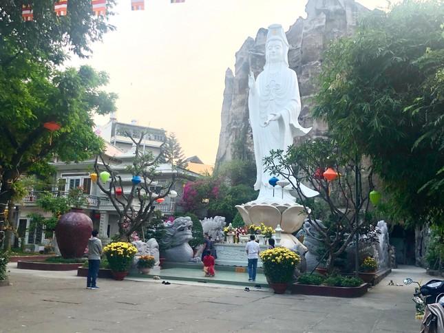 Bình Thạnh: Các chùa thực hiện tốt nguyên tắc 5K trong ngày rằm tháng Giêng ảnh 1