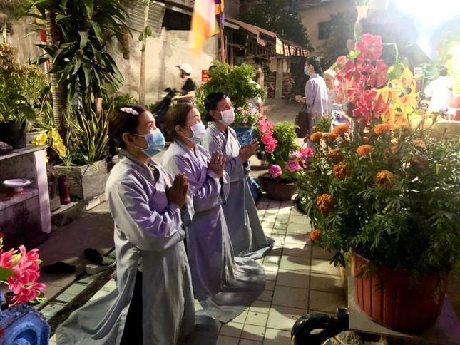 Bình Thạnh: Các chùa thực hiện tốt nguyên tắc 5K trong ngày rằm tháng Giêng ảnh 4