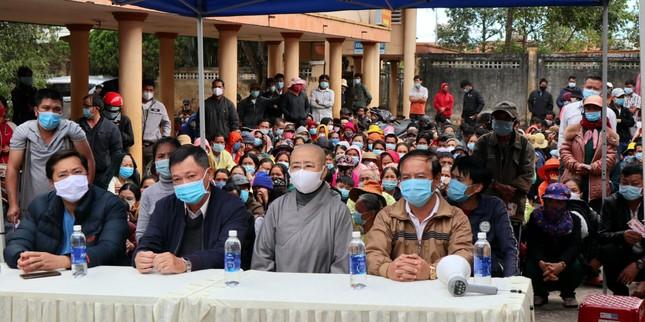 Chùa Long Phước tổ chức siêu thị 0 đồng tại bệnh viện ảnh 1