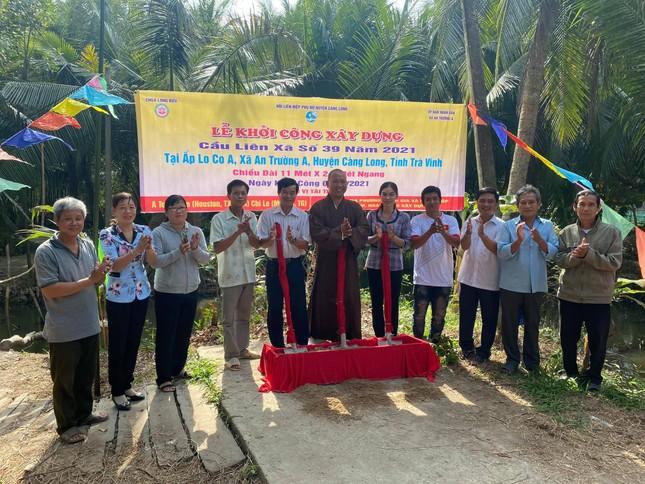 Ban Trị sự An Giang, các tự viện trao quà Tết, xây cầu bê-tông ảnh 1