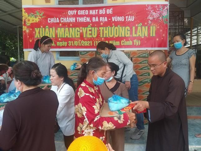 Ban Trị sự An Giang, các tự viện trao quà Tết, xây cầu bê-tông ảnh 2