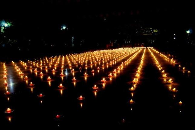 Đồng Nai: Cúng đèn rằm tháng Giêng tại thiền viện Phước Sơn ảnh 6