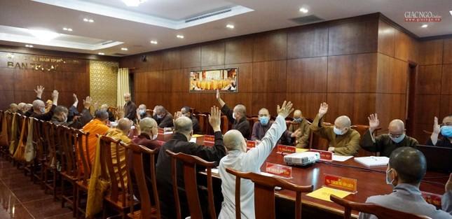 Ban Thường trực Ban Trị sự GHPGVN TP.HCM họp, triển khai các hoạt động Phật sự đầu năm ảnh 8