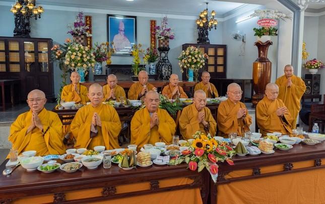Chùa Huỳnh Kim tổ chức lễ húy nhật Hòa thượng Thích Hồng Phước ảnh 2
