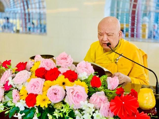 Khóa tu Bát Quan trai tại chùa Vạn Đức ảnh 1