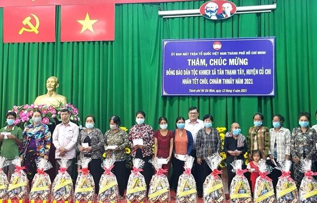 Ủy ban MTTQVN TP.HCM thăm, chúc Tết cổ truyền Chôl Chnăm Thmây ảnh 1