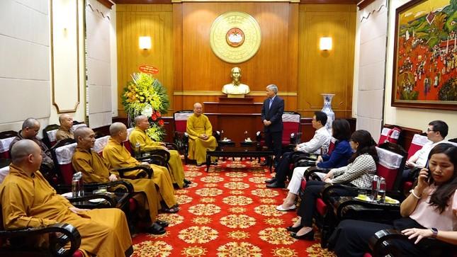 Trung ương Giáo hội chúc mừng ông Đỗ Văn Chiến, Chủ tịch Ủy ban TƯMTTQVN ảnh 1