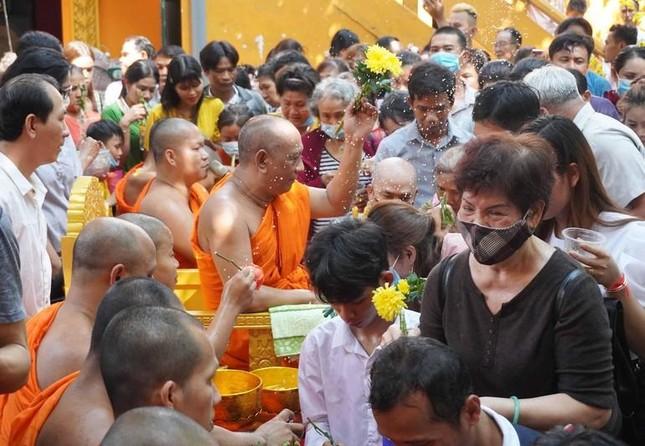 TP.HCM: Lễ Tắm Phật mừng Tết cổ truyền Chôl Chnăm Thmây ảnh 15