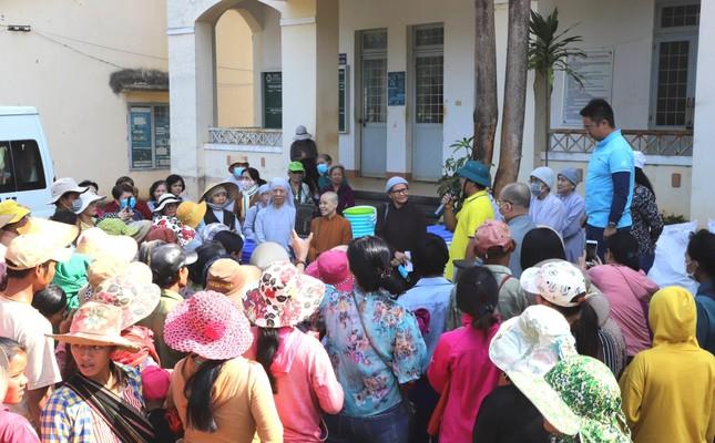 Tặng 600 phần quà đến đồng bào dân tộc tỉnh Kon Tum ảnh 2