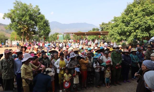 Tặng 600 phần quà đến đồng bào dân tộc tỉnh Kon Tum ảnh 1