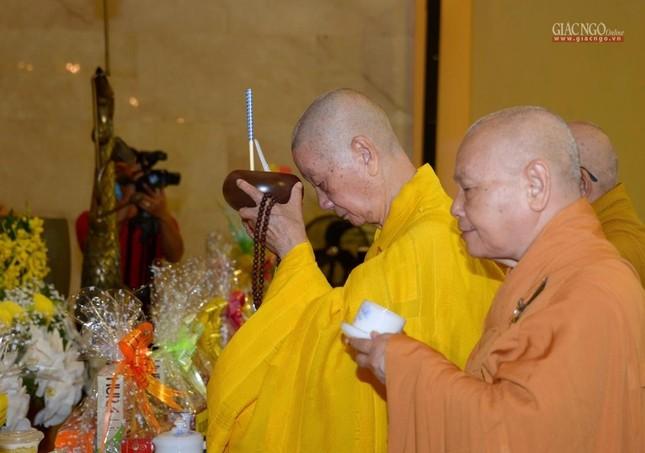 Trung ương GHPGVN và Ban Trị sự Phật giáo TP.HCM tưởng niệm Đại lão Hòa thượng Thích Từ Nhơn ảnh 5