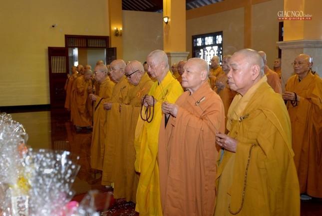 Trung ương GHPGVN và Ban Trị sự Phật giáo TP.HCM tưởng niệm Đại lão Hòa thượng Thích Từ Nhơn ảnh 2