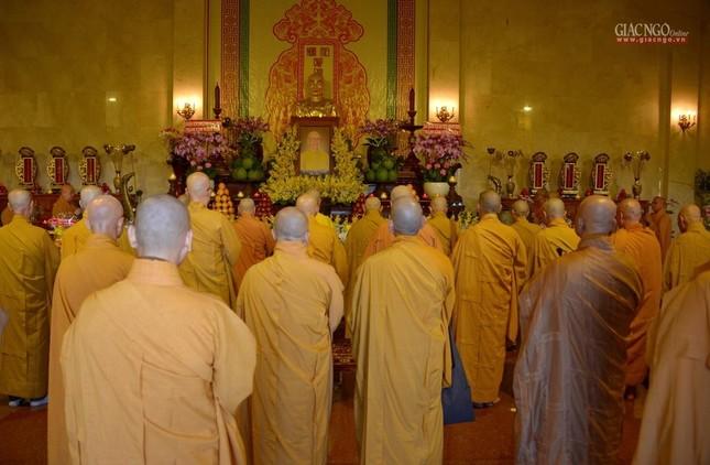 Trung ương GHPGVN và Ban Trị sự Phật giáo TP.HCM tưởng niệm Đại lão Hòa thượng Thích Từ Nhơn ảnh 1