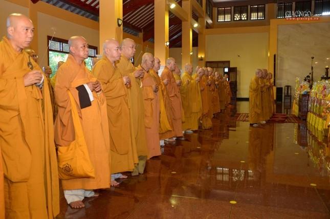 Trung ương GHPGVN và Ban Trị sự Phật giáo TP.HCM tưởng niệm Đại lão Hòa thượng Thích Từ Nhơn ảnh 7