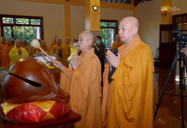 Trung ương GHPGVN và Ban Trị sự Phật giáo TP.HCM tưởng niệm Đại lão Hòa thượng Thích Từ Nhơn ảnh 6