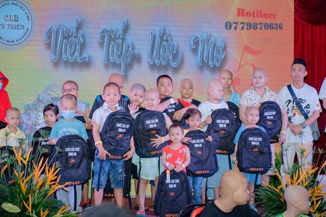 Câu Lạc bộ Tứ Thiện gây quỹ hỗ trợ viện phí cho trẻ em bệnh ung thư ảnh 1