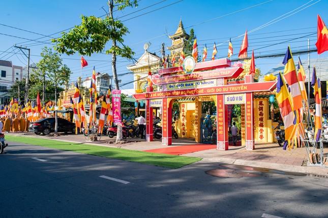 Đồng Tháp: Trang nghiêm khai mạc Đại giới đàn Từ Nhơn Phật lịch 2564 ảnh 7