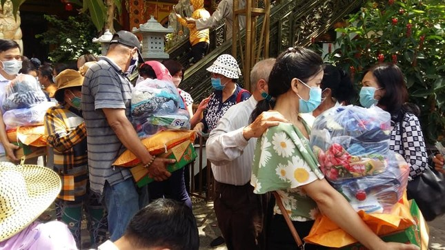 Ban Từ thiện thiền viện Vạn Hạnh trao quà tại tỉnh Đồng Nai ảnh 1