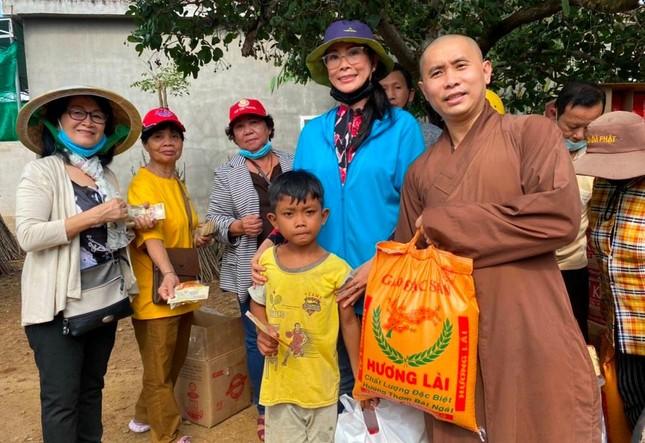 Trao 200 phần quà đến đồng bào dân tộc Gia Rai tỉnh Bình Thuận ảnh 1