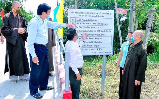 Long An: Khánh thành cầu nông thôn chào mừng 40 năm thành lập GHPGVN ảnh 1
