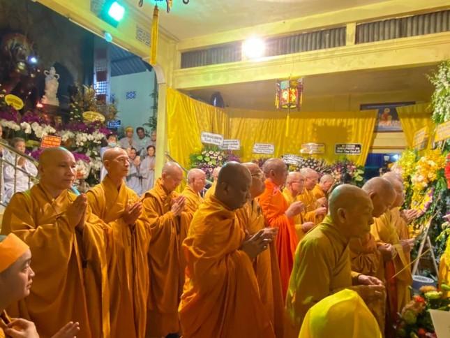Trung ương GHPGVN viếng tang Trưởng lão Hòa thượng Thích Huệ Trường ảnh 2