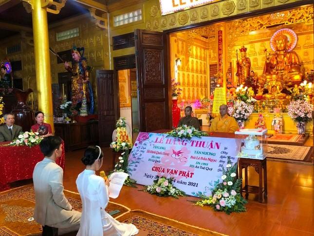 Gia Lai: Chùa Vạn Phật tổ chức Hằng thuận cho đôi Phật tử trẻ ảnh 1