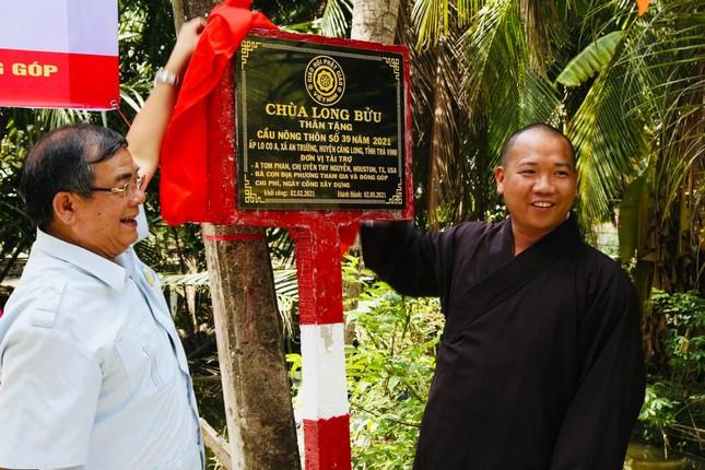 Chùa Long Bửu khánh thành, khởi công xây cầu bê-tông nông thôn ảnh 1