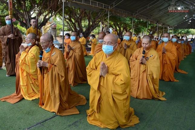 Bạc Liêu: Ban Trị sự Phật giáo tỉnh tổ chức tam bộ nhất bái tại Quán Âm Phật Đài ảnh 2