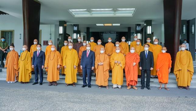 Chủ tịch nước Nguyễn Xuân Phúc tiếp chư tôn đức lãnh đạo cao cấp GHPGVN ảnh 14