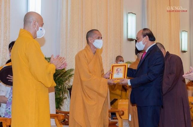 Chủ tịch nước Nguyễn Xuân Phúc tiếp chư tôn đức lãnh đạo cao cấp GHPGVN ảnh 10