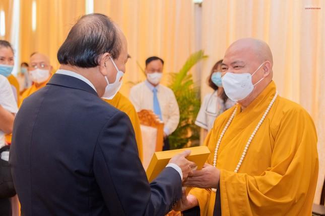 Chủ tịch nước Nguyễn Xuân Phúc tiếp chư tôn đức lãnh đạo cao cấp GHPGVN ảnh 12