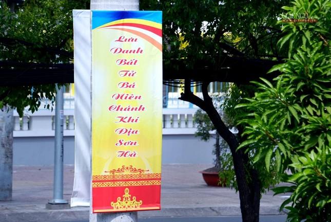 Nơi tưởng niệm Bồ-tát Thích Quảng Đức vị pháp thiêu thân ảnh 4