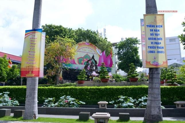 Nơi tưởng niệm Bồ-tát Thích Quảng Đức vị pháp thiêu thân ảnh 6