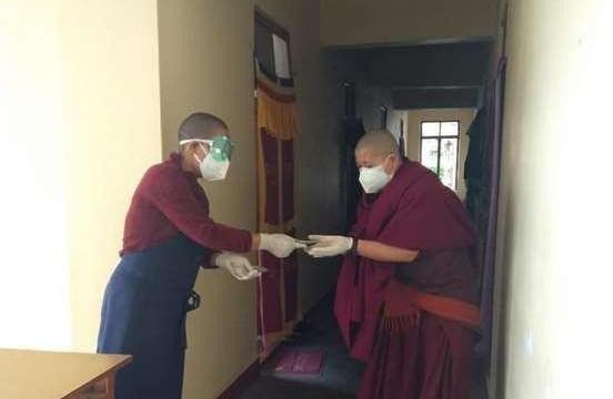 Ban Từ thiện xã hội Phật giáo Khất sĩ ủng hộ Tăng Ni và người dân tại Ấn Độ ảnh 2