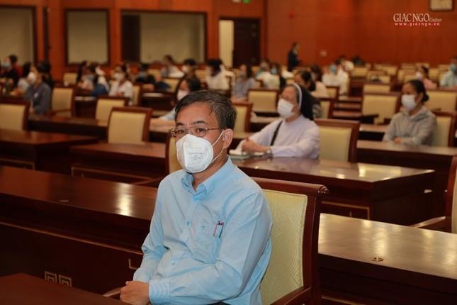 80 Tăng Ni, Phật tử cùng tình nguyện viên các tôn giáo bắt đầu đến các bệnh viện dã chiến phục vụ ảnh 9