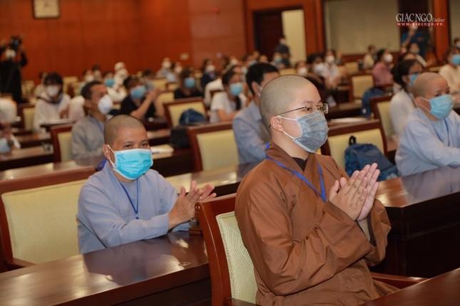 80 Tăng Ni, Phật tử cùng tình nguyện viên các tôn giáo bắt đầu đến các bệnh viện dã chiến phục vụ ảnh 12