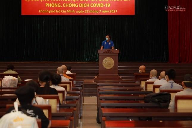 80 Tăng Ni, Phật tử cùng tình nguyện viên các tôn giáo bắt đầu đến các bệnh viện dã chiến phục vụ ảnh 17