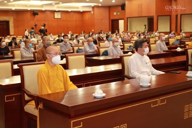 80 Tăng Ni, Phật tử cùng tình nguyện viên các tôn giáo bắt đầu đến các bệnh viện dã chiến phục vụ ảnh 11