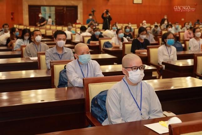 80 Tăng Ni, Phật tử cùng tình nguyện viên các tôn giáo bắt đầu đến các bệnh viện dã chiến phục vụ ảnh 4