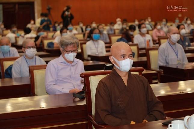 80 Tăng Ni, Phật tử cùng tình nguyện viên các tôn giáo bắt đầu đến các bệnh viện dã chiến phục vụ ảnh 10